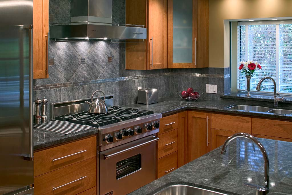 What's the Feng Shui of Your Kitchen? The 8 Questions to Ask | Red on