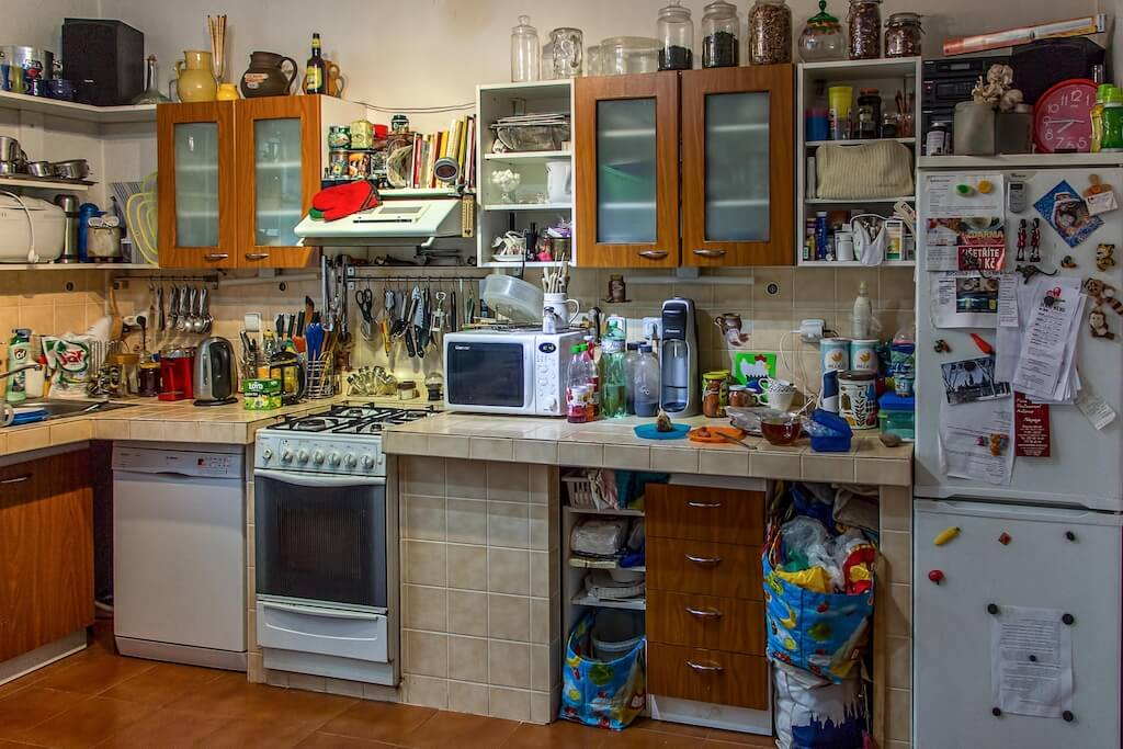 Feng Shui And The Energy Of Your Home How Clutter Stunts